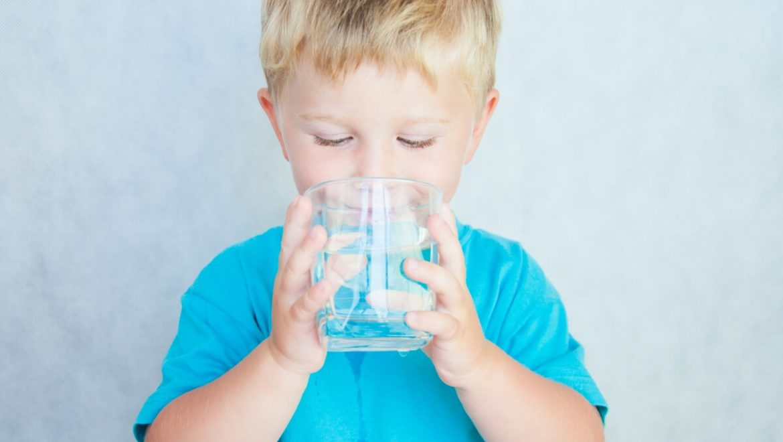 מתקן מים מינרליים או בר מים? יצאנו לבדוק מה עדיף