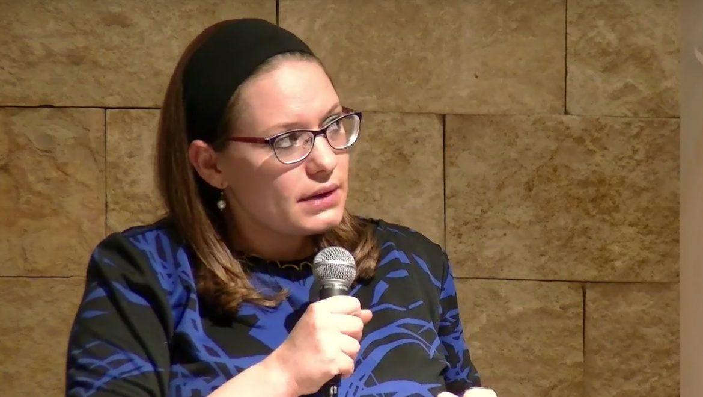 סיון רהב-מאיר בסדרת הרצאות חדשה בתל אביב, על פרשת השבוע ועולם התקשורת