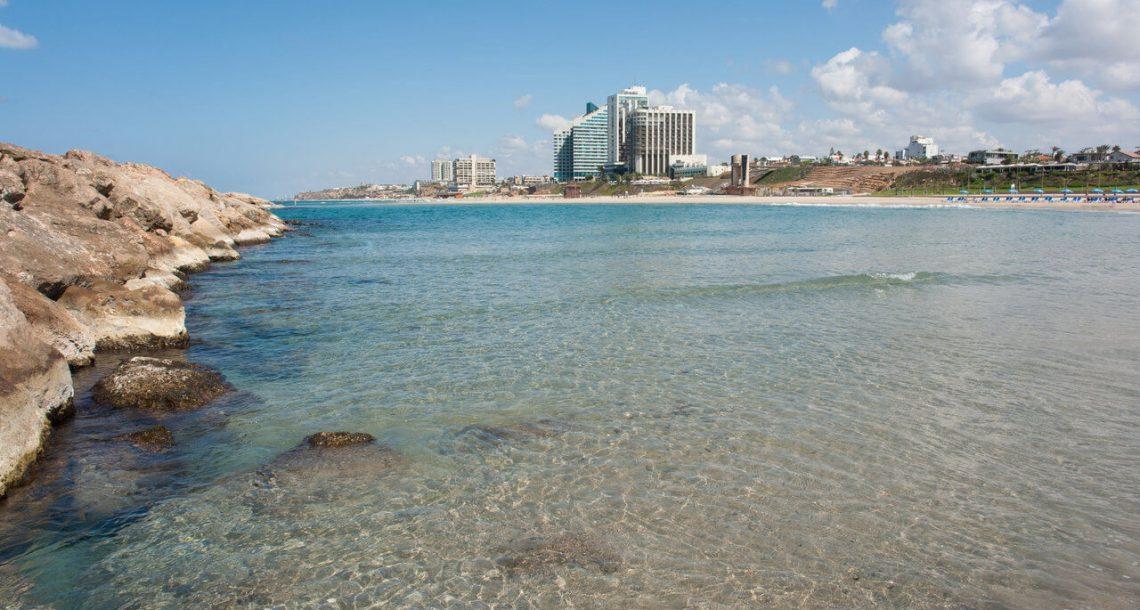 תמורת 170 אלף שקל תוכלו לקנות קרקע על הים בהרצליה