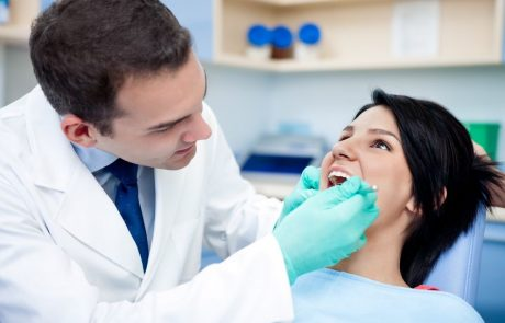 רשלנות רפואית בטיפולי שיניים כירורגיים: איזה פיצוי מגיע למטופל?
