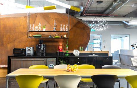 נס ציונה ופולג: משרדים משותפים שחוסכים לחברות 50% מהעלויות