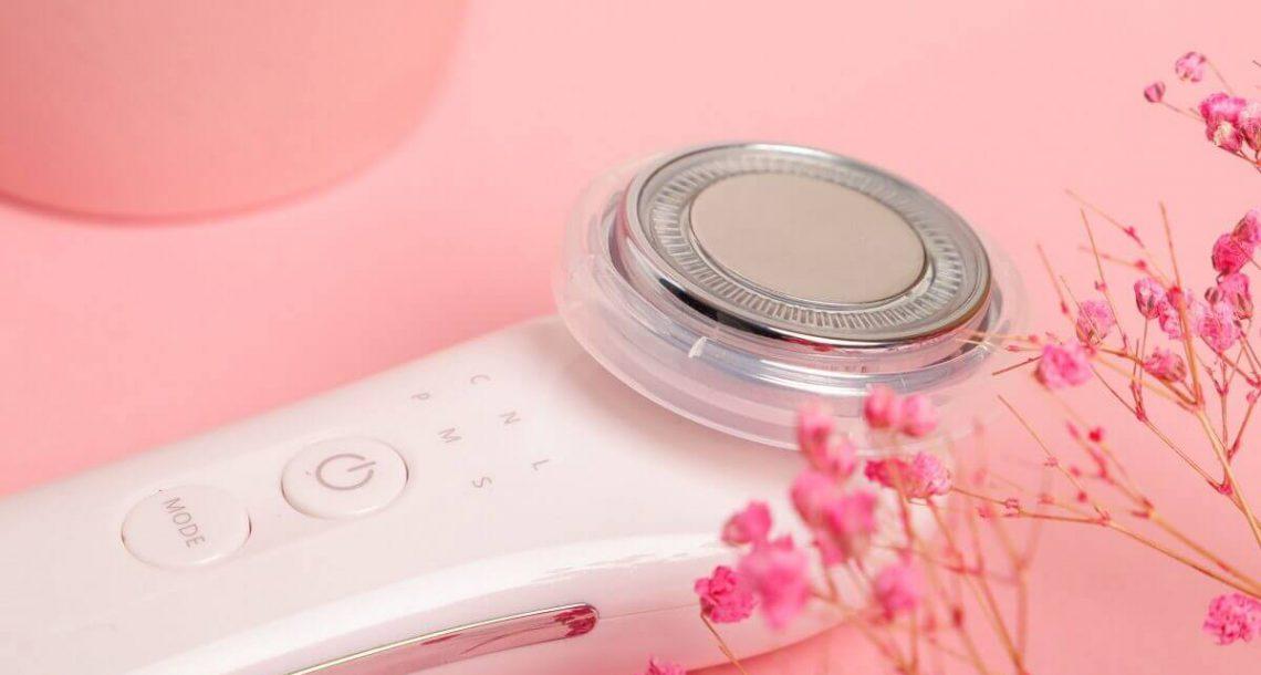 הגיע לישראל: המכשיר היפני שמטפל בעור הפנים, בלי לצאת מהבית