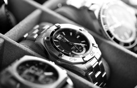 העלה לאינסטגרם תמונה של שעוני יוקרה שהבריח – ונתפס